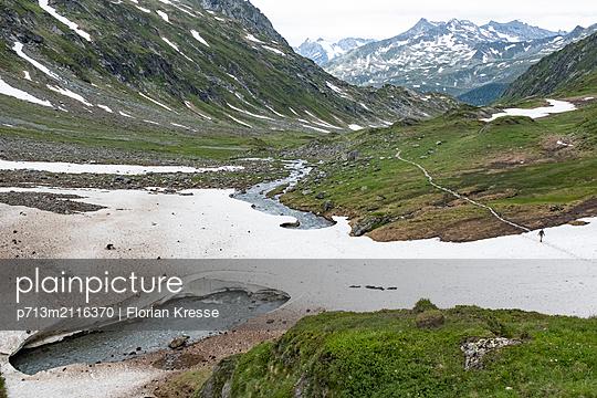 p713m2116370 by Florian Kresse