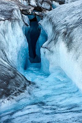 Schmelzwassertunnel, Inlandeis - p719m1181393 von Rudi Sebastian