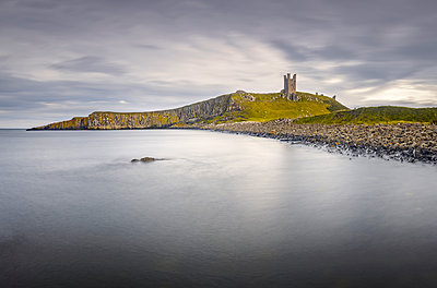 Lilburn Tower, Dunstanburgh Castle, Northumberland, England, United Kingdom, Europe - p871m2209447 by Alan Copson