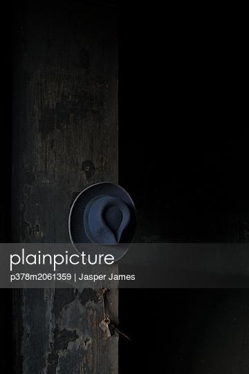 p378m2061359 von Jasper James