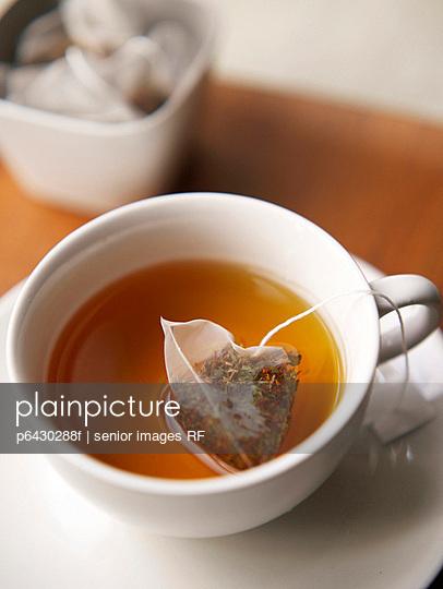 Teetasse  - p6430288f von senior images RF