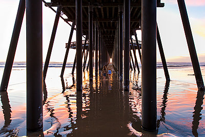 Under the pier - p756m2087312 by Bénédicte Lassalle