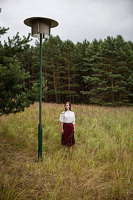 Im Wald - p502m933898 von Tomas Adel