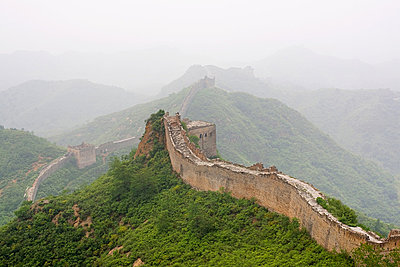 Great wall of china - p9246054f by Image Source