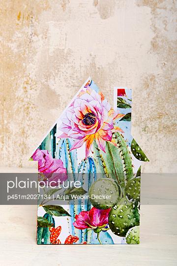 p451m2027134 by Anja Weber-Decker