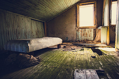 Old abandoned house in West Fjords, Iceland - p1084m986861 by Operation XZ