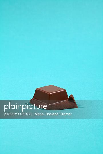 Ein Stück Vollmilchschokolade - p1322m1159133 von Marie-Therese Cramer