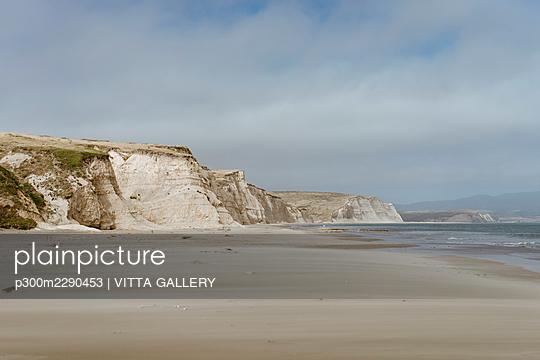 Idyllic beach at Point Reyes, California, USA - p300m2290453 by VITTA GALLERY