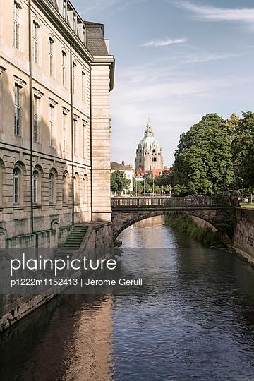 Blick auf Neues Rathaus - p1222m1152413 von Jérome Gerull