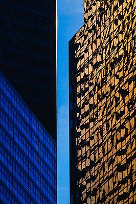 Refections in high rise building - p1418m1572402 by Jan Håkan Dahlström