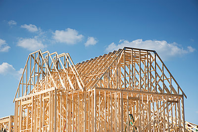 House under construction - p1427m2186453 by Chris Hackett