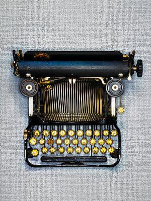 Reiseschreibmaschine - p509m925462 von Reiner Ohms