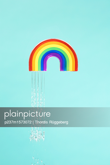 Regenbogen - p237m1573072 von Thordis Rüggeberg