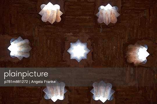 Lichteinfall - p781m881272 von Angela Franke