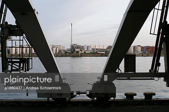 Beweglicher Kran - p1650437 von Andrea Schoenrock