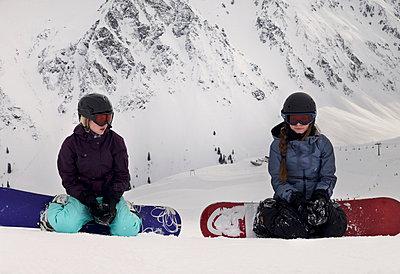 Snowboarden - p046m729139 von Hexx