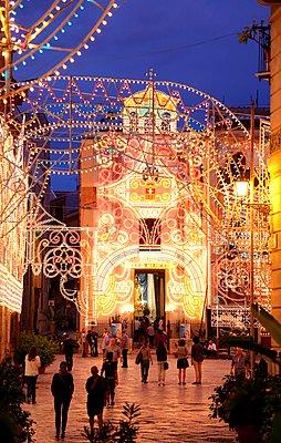 Palermo, Piazza St. Anna - p237m1083607 von Thordis Rüggeberg