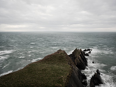 Hartland Quay - p1383m2026502 by Wolfgang Steiner