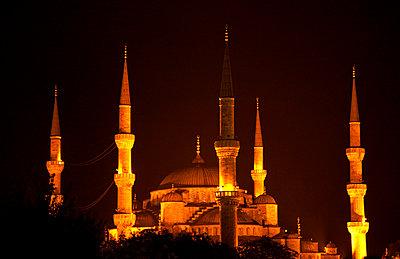 Blue Mosque at night - p382m1091323 by Anna Matzen