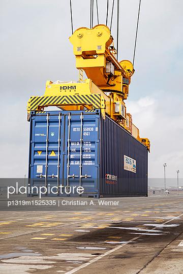 Containerhafen - p1319m1525335 von Christian A. Werner