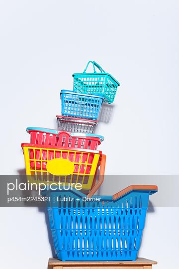 Excessive shopping - p454m2245321 by Lubitz + Dorner