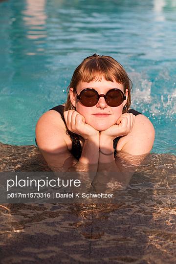 Im Pool - p817m1573316 von Daniel K Schweitzer