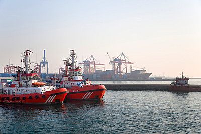 Fire brigade boat, Haydarpasa port container terminal, Istanbul, Turkey - p429m665314f by Henglein and Steets