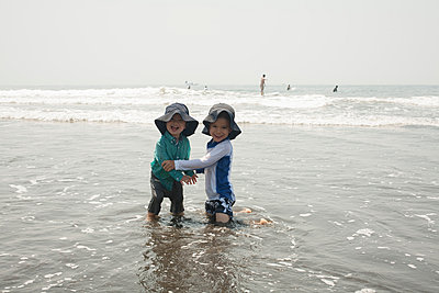 Spaß am Strand - p463m938602 von Yo Oura