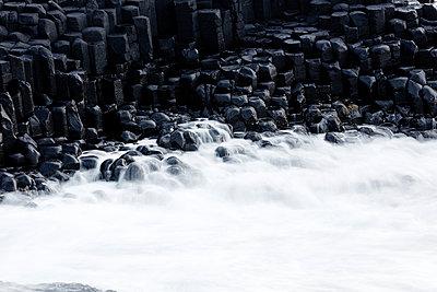 Giant's Causeway - p719m944599 von Rudi Sebastian