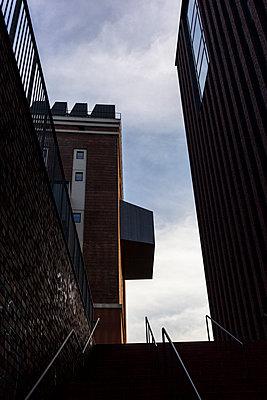 Treppe und Himmel - p1611m2196305 von Bernd Lucka