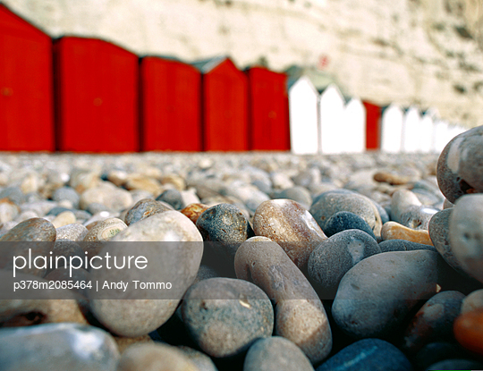 Beach huts - p378m2085464 by Andy Tommo
