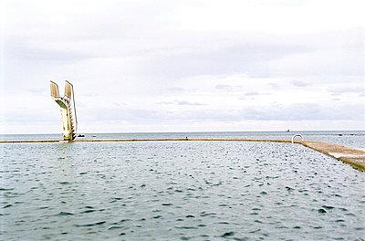 Diving platform - p2689642 by Arne Landwehr
