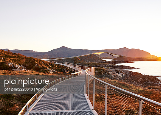 Norway, Atlantic road and Hiking trail - p1124m2228948 by Willing-Holtz