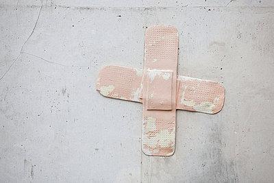 Plaster - p842m890998 by Renée Del Missier