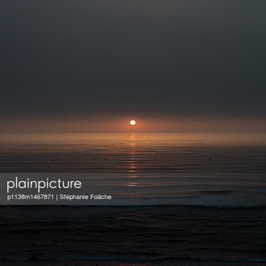 Sunset by the sea - p1138m1467871 by Stéphanie Foäche