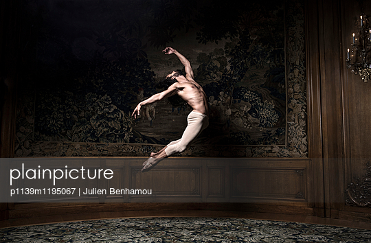 p1139m1195067 by Julien Benhamou