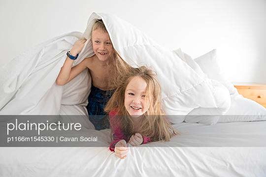 p1166m1545330 von Cavan Social