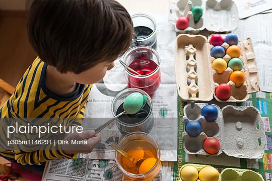 Eier färben - p305m1146291 von Dirk Morla