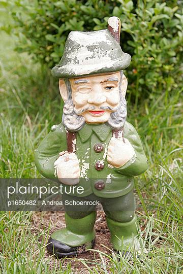 Garden gnome - p1650482 by Andrea Schoenrock