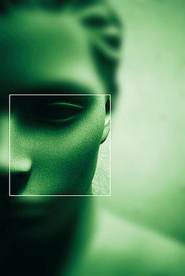 unscharfes Gesicht - p9792394 von Vyge