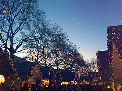 Germany, Cologne, Christmas market - p300m1009983 by Gaby Wojciech