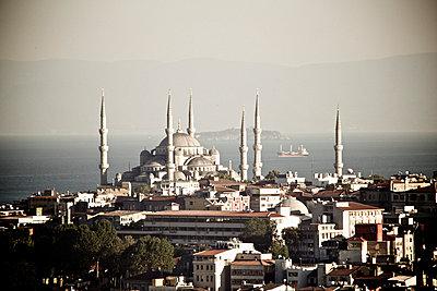 Blick über Istanbul - p5863510 von Kniel Synnatzschke