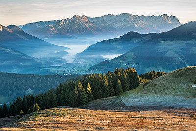 Blick auf Wilden Kaiser - p954m1185247 von Heidi Mayer