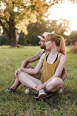 Junges Paar - p220m1195392 von Kai Jabs