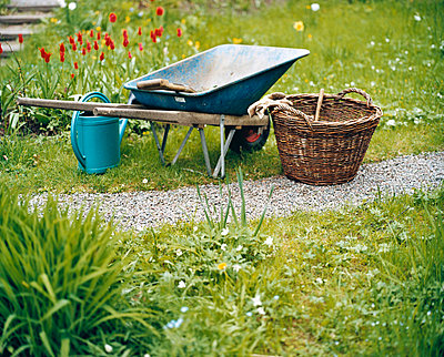 Wheelbarrow - p3124858 by Hans Bjurling