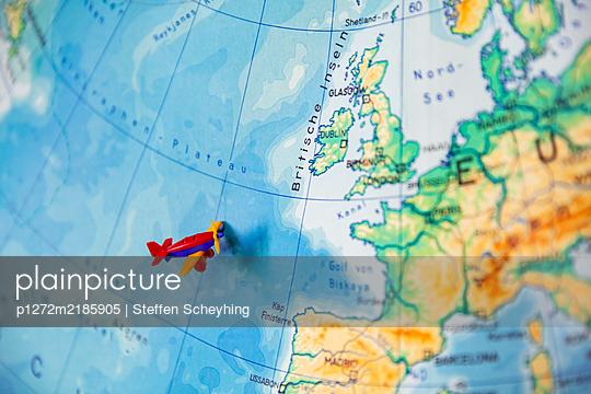 World Travel - p1272m2185905 by Steffen Scheyhing