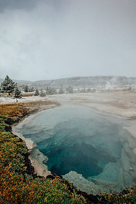 Close-up of hot spring at Yellowstone National Park - p1166m1543596 by Cavan Social