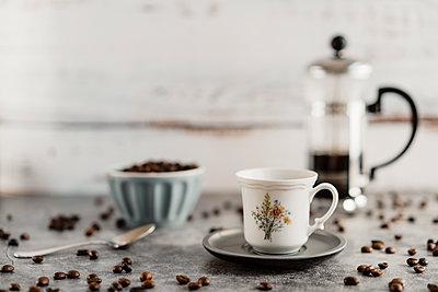 Cup of espresso - p300m2083045 by VITTA GALLERY