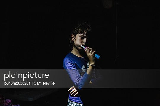 p343m2038231 von Cam Neville