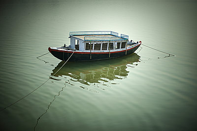 Boat  - p1007m1144286 by Tilby Vattard